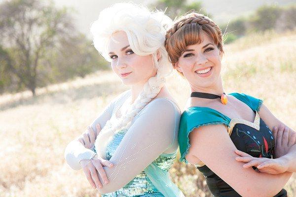 Elsa anna up close smirk