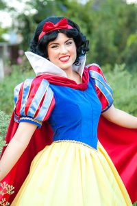 Invite Snow White to your child's party. Kids parties in Orange County