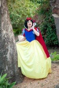 Invite Snow White to your kid's party. Princess parties in OC